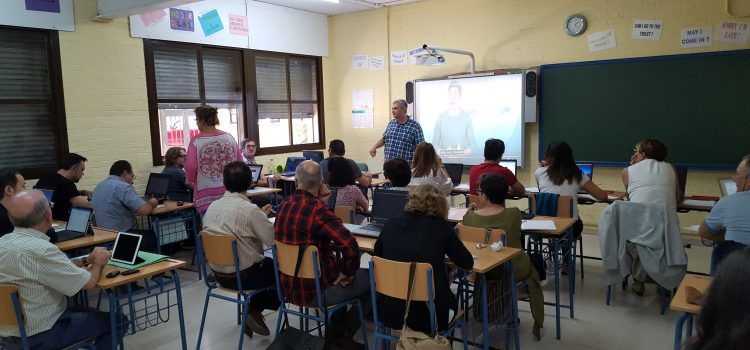 Workshop on Augmented Reality in our first teachers meeting in Cordoba. October 2017